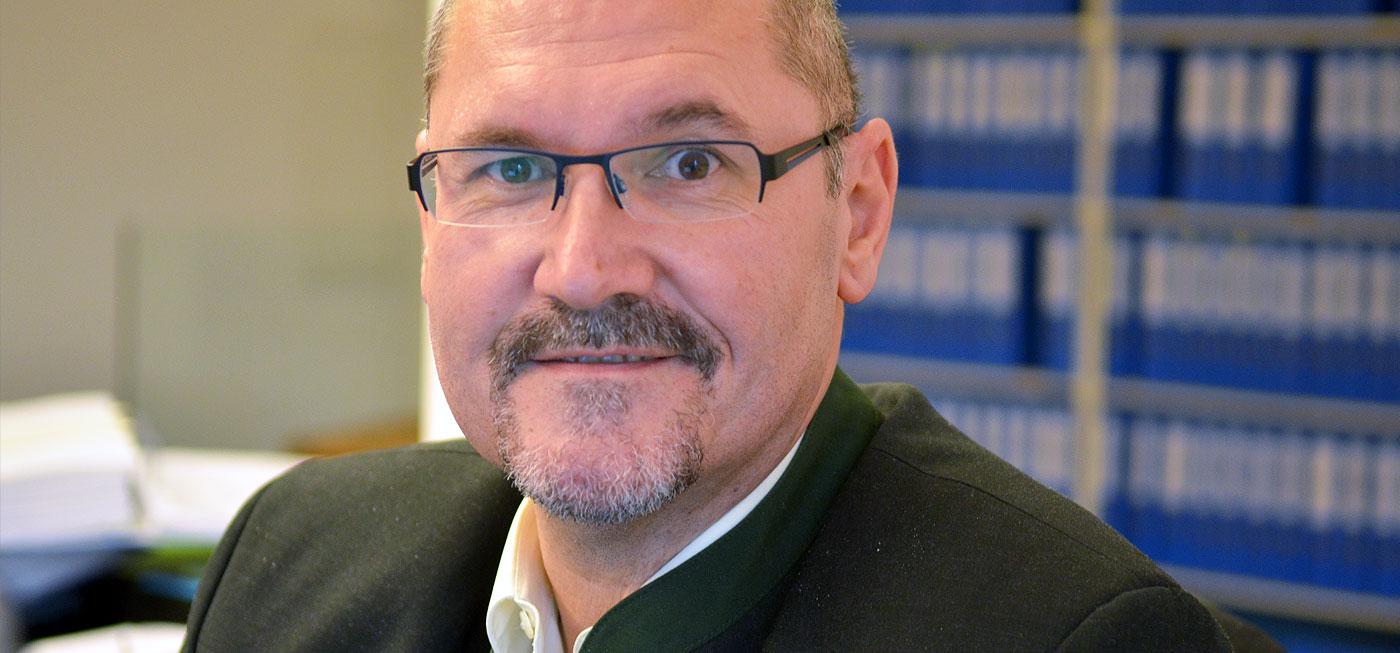 Karl Vlasek versichert